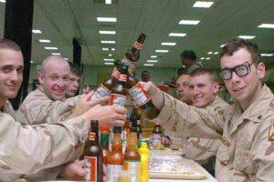 """""""Често груби и пияни"""": войниците на НАТО се сбиха с местни жители в Естония"""