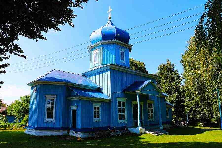 Радикали се опитаха да завземат храм на УПЦ във Виницка област
