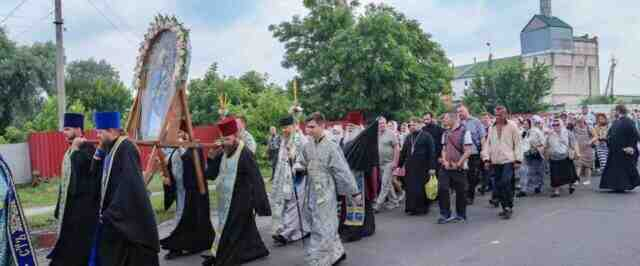 Православна Украйна излезе на религиозни шествия