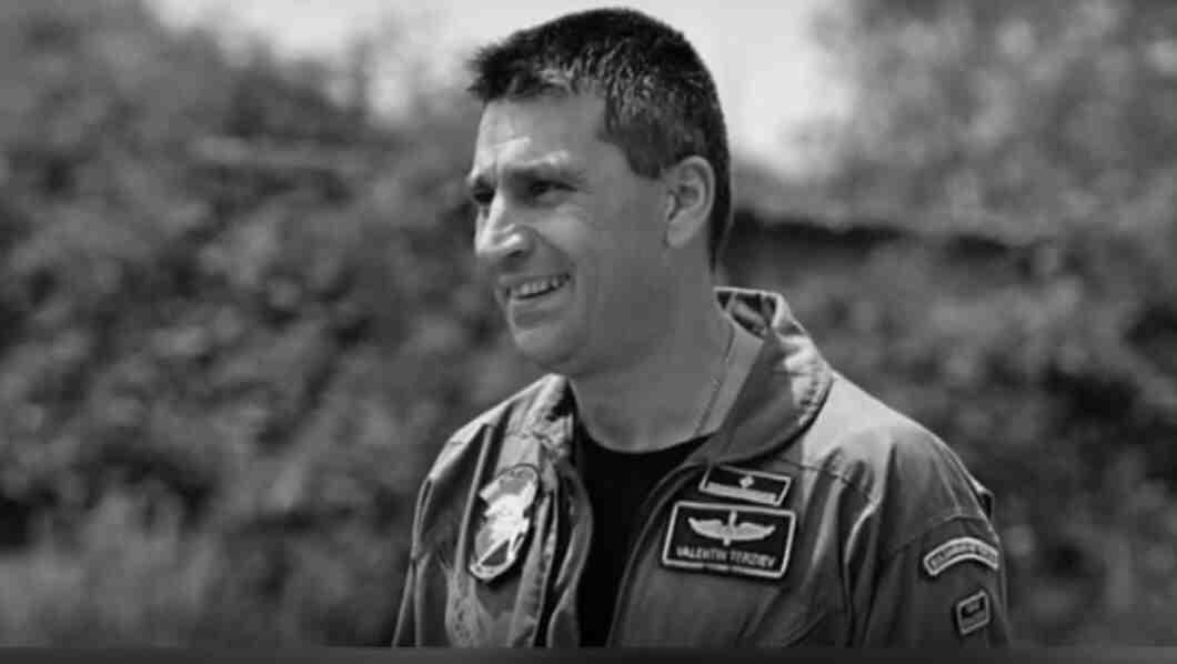 Черната кутия на падналия в Черно море МиГ-29 евсе още в България