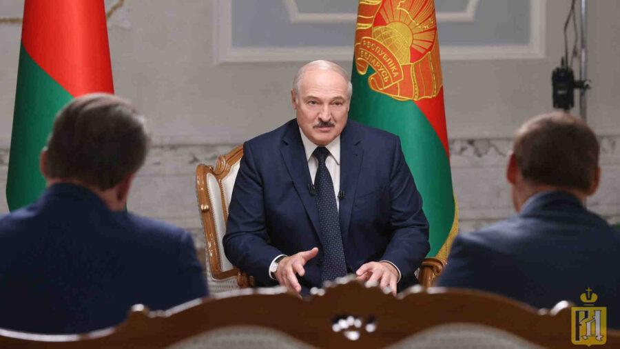 Лукашенко: Промени ще има, но на законова база, а не улична