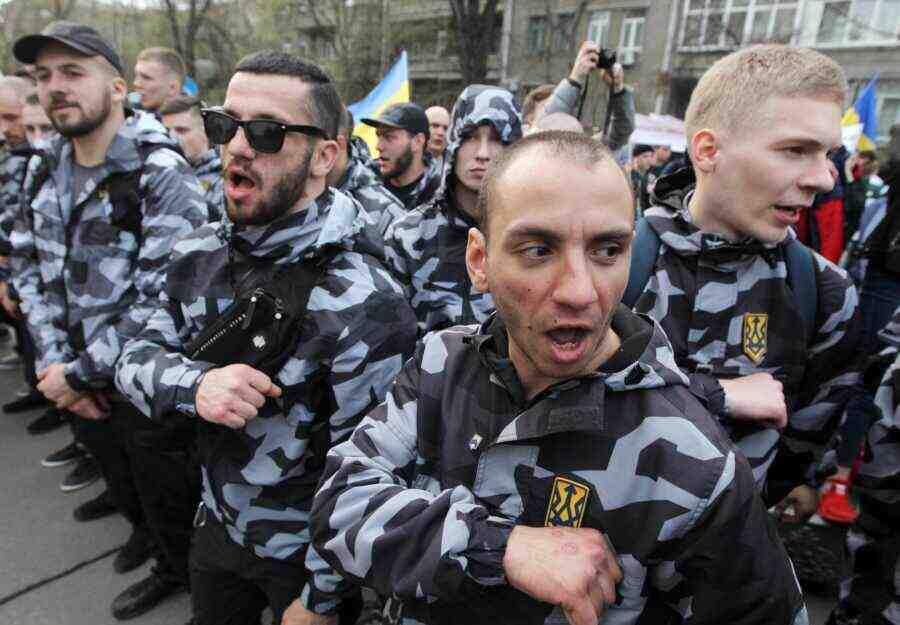 Украйна се превърна в пропаднала държава