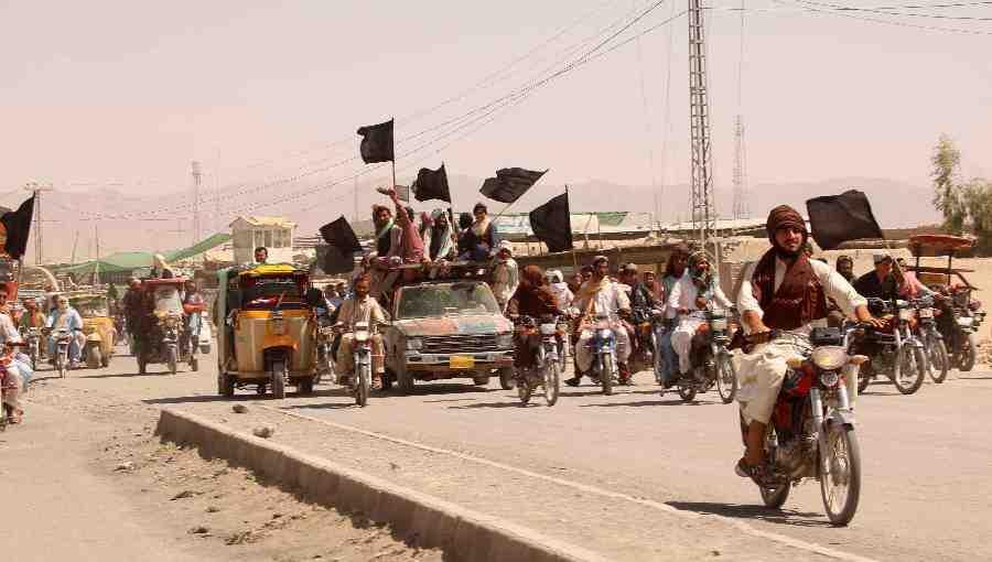 AFP: Талибаните завзеха град Лашкар Гах