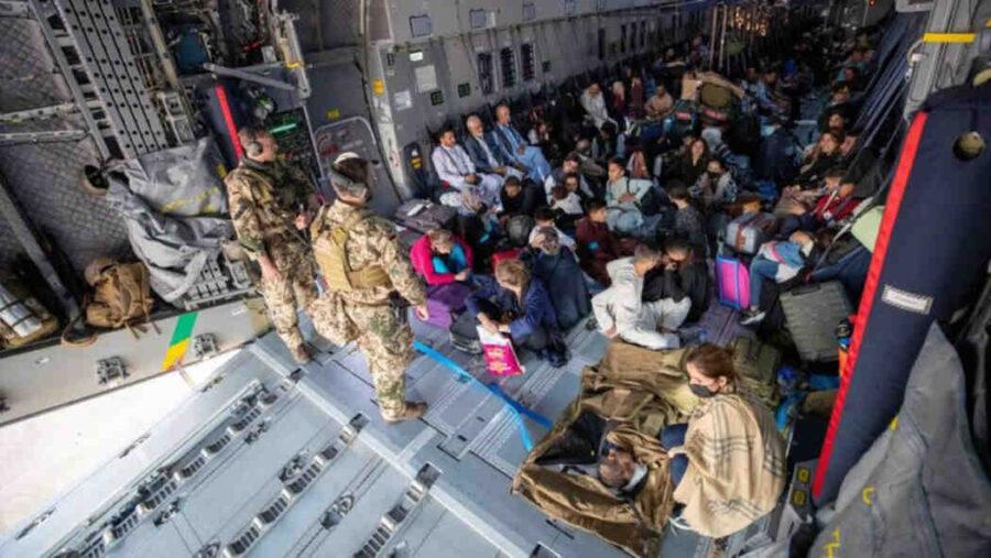Словения: EС не е готов да организира хуманитарни коридори за афганистански бежанци