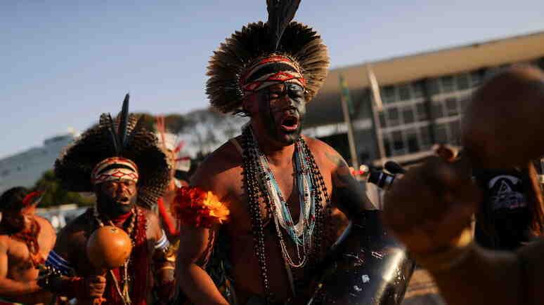 В Бразилия коренните жители излязоха на масова демонстрация в защита на своите изконни земи