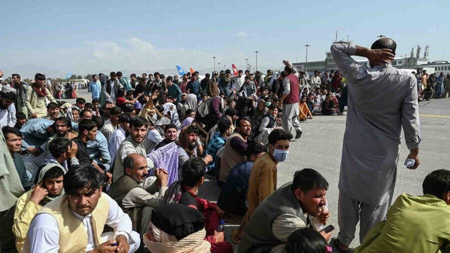 """Великобритания: """"Прозорецът за евакуиране на хора от Афганистан се затваря"""""""