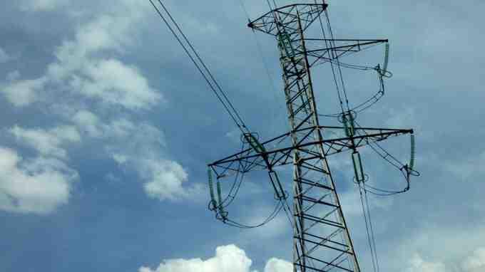 Бизнесът настоява временно да се ограничи износът на ток