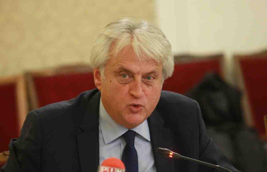 Рашков: Няма данни за наказателно производство срещу 4-та полицаи