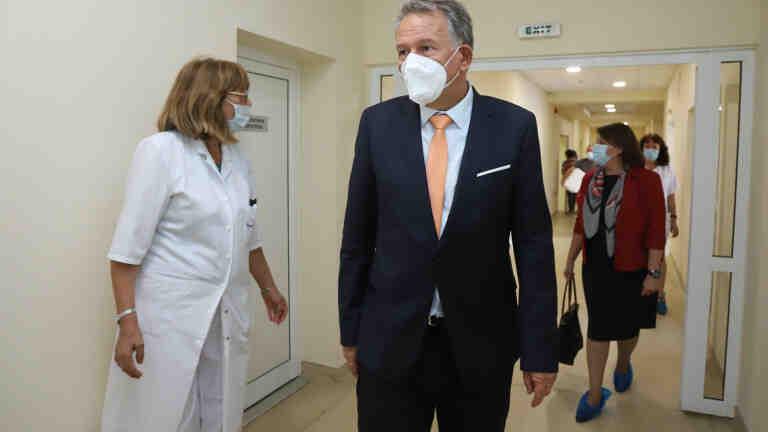 Здравният министър очаква становища на браншови организации за противопандемичните мерки