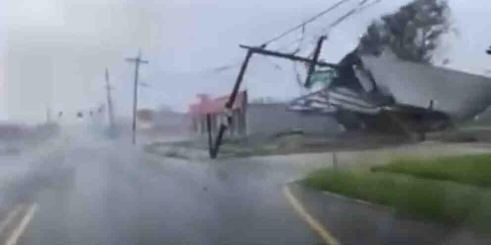 Един милион без електричество в щата Луизиана