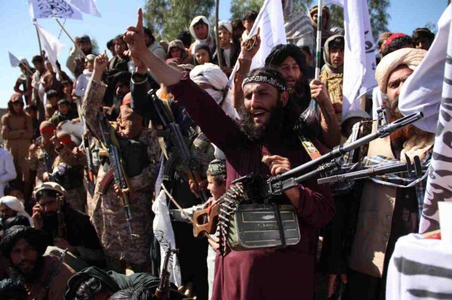 Талибаните обявиха пълна независимост на Афганистан след изтегляне силите на САЩ