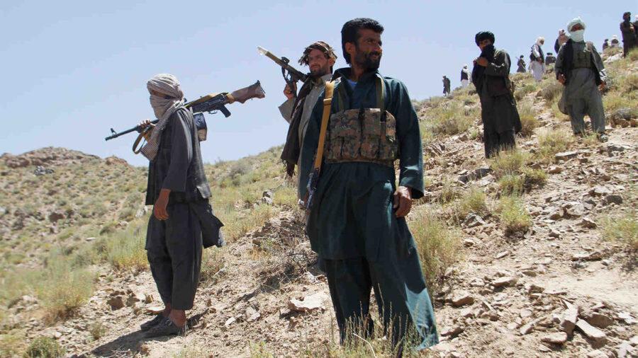 Талибаните изпращат стотици бойци в Панджшир