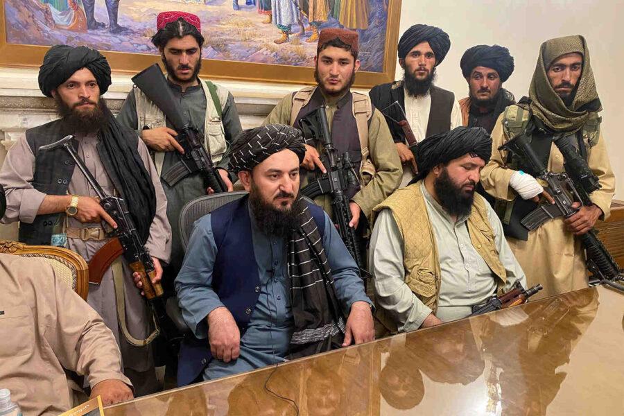 CNN: Карзай и Абдула са под домашен арест в Кабул