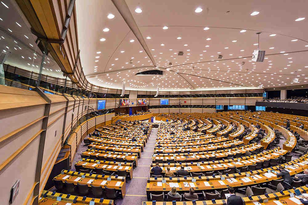 """ЕП: """"Северен поток 2"""" не съответства на законите на ЕС"""