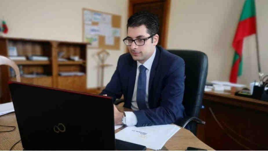 Вицепремиер Пеканов: Въвеждането на еврото в България има и позитиви