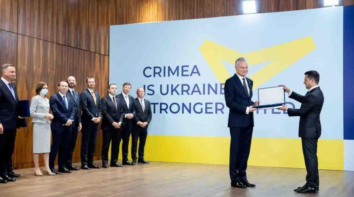 """Зеленски: Световните лидери не участваха в """"Кримска платформа"""", защото се страхуват от Русия"""