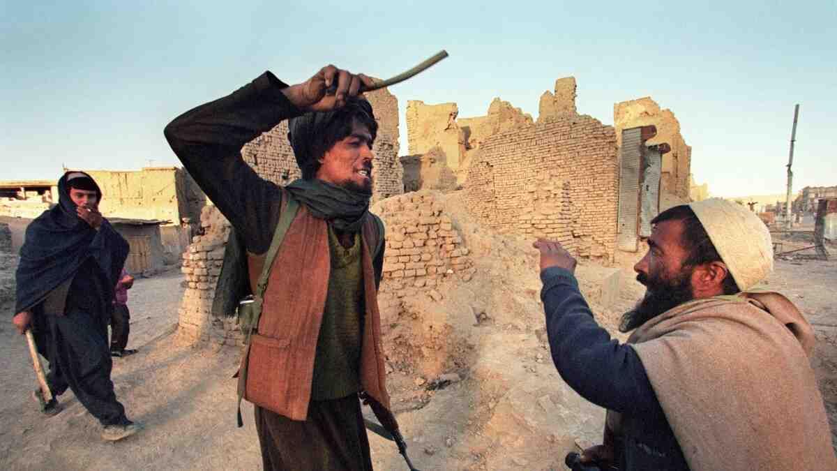 САЩ позорно избягаха, Талибаните избиват наред, очаква ни мащабно нахлуване на афганистанци