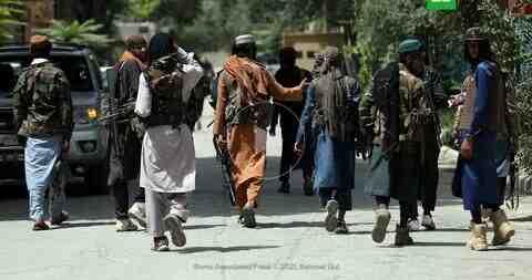 Талибаните преследват силите на НАТО, очакват се екзекуции