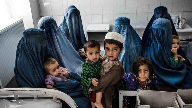 САЩ приемат още хиляди бежанци от Афганистан