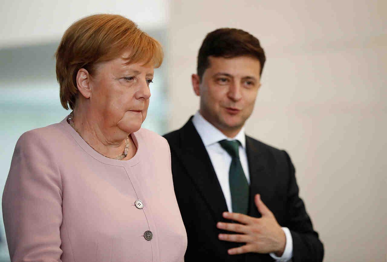"""Меркел """"удари шамар"""" на Зеленски, игнорира """"Кримска платформа"""""""