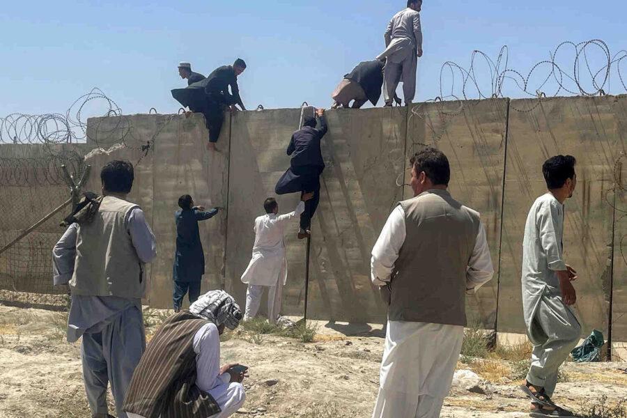 САЩ: Заплаха от атака на ИДИЛ на летището в Кабул