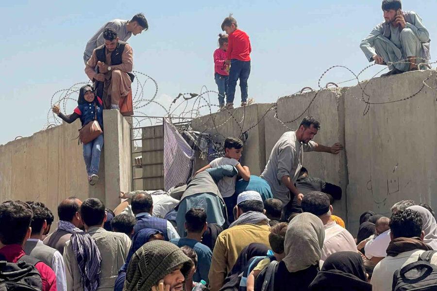 CNN: САЩ няма да могат да изведат всички помагали им афганистанци от Кабул