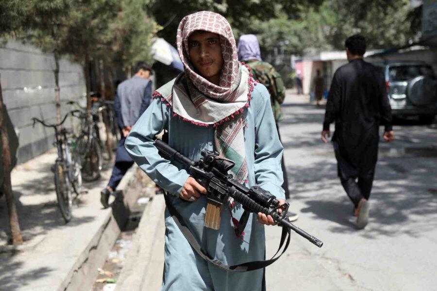 """Талибаните оставят """"нощни писма"""" на вратите на хората, които """"работят за кръстоносците"""""""
