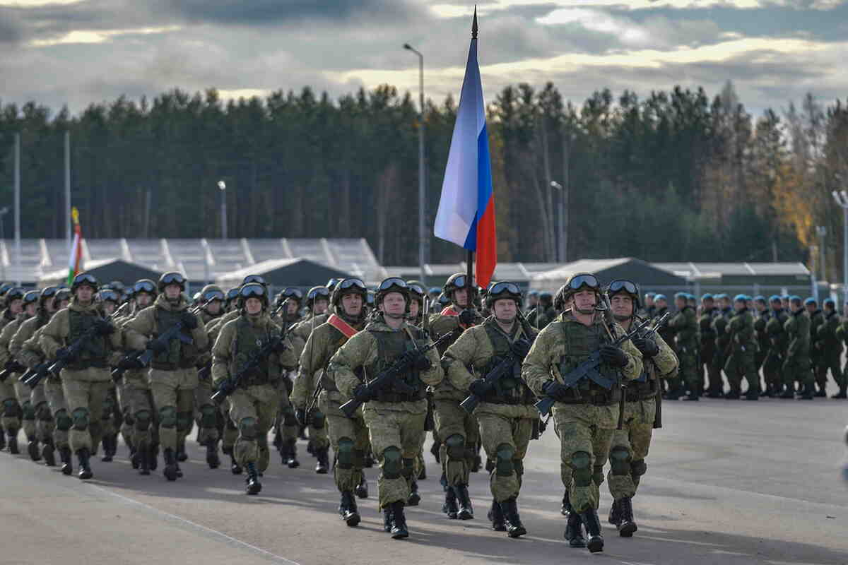 Русия увеличи контингента в ученията на границата с Афганистан