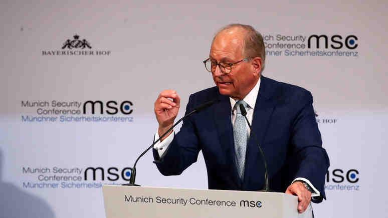 """Ишингер: Германската външна политика заседна в """"зона с лошо време с високи вълни и заплаха от буря"""""""