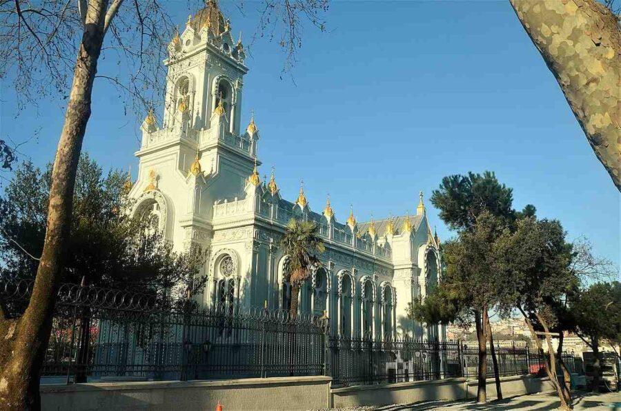 Желязната църква в Цариград - единствената православна желязна църква