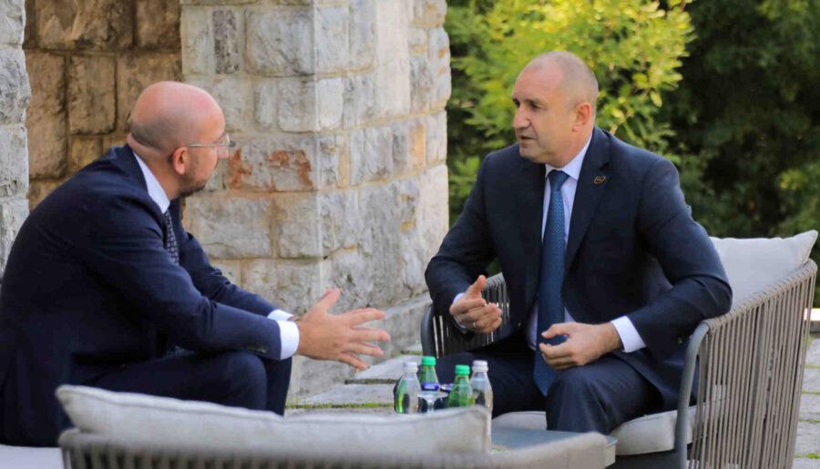 Радев пред заместник-помощник държавния секретар на САЩ: Ще помогнем на С. Македония, Югославия беше тоталитарна държава