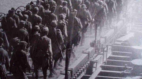 На 8 септември 1944 г. армиите на 3-ти Украински фронт на СССР преминават Дунава