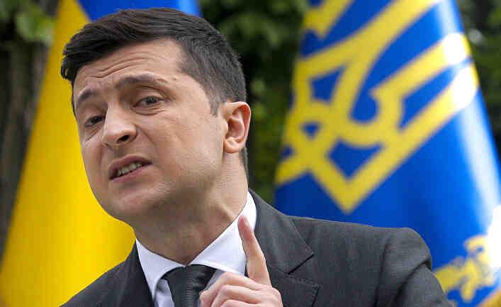 С двата крака в тресавището: Украйна получава милиарди от САЩ, как ще ги връща?