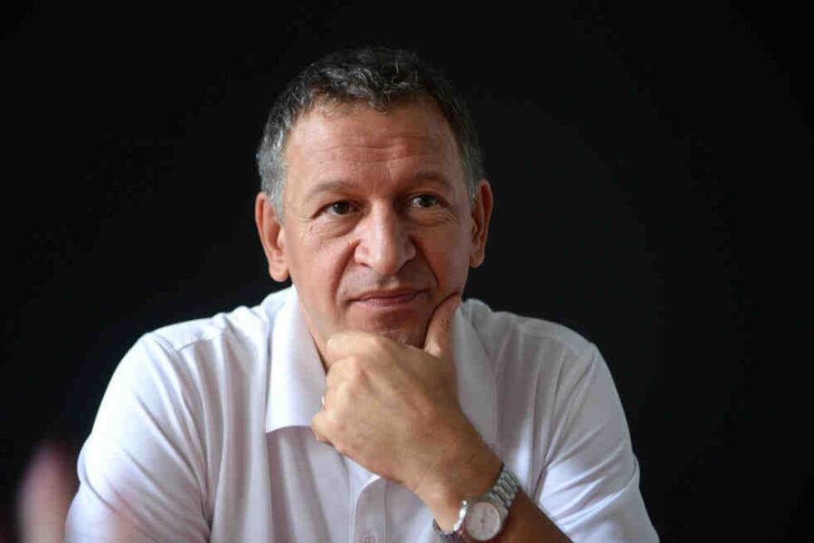 Кацаров: Няма да променяме мерките, има риск от зарязаване