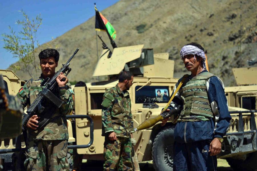 Талибаните поеха контрола над две стратегически важни области в Панджшир