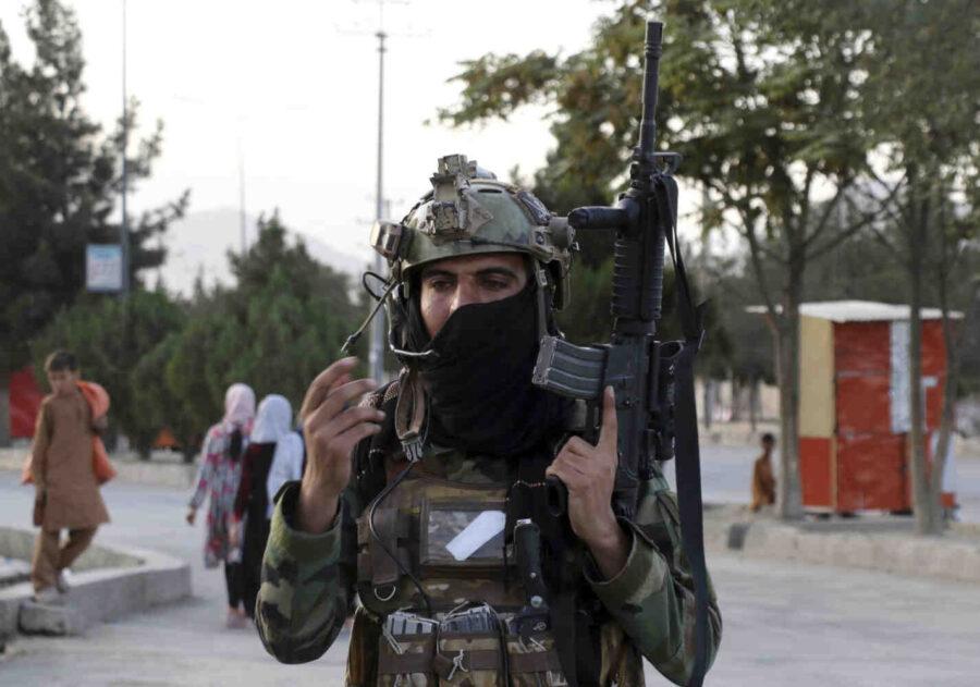 Талибаните изпратиха американска военна техника в Иран
