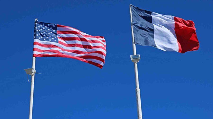 US официални лица се опитват да насочат гнева на Франция към Австралия