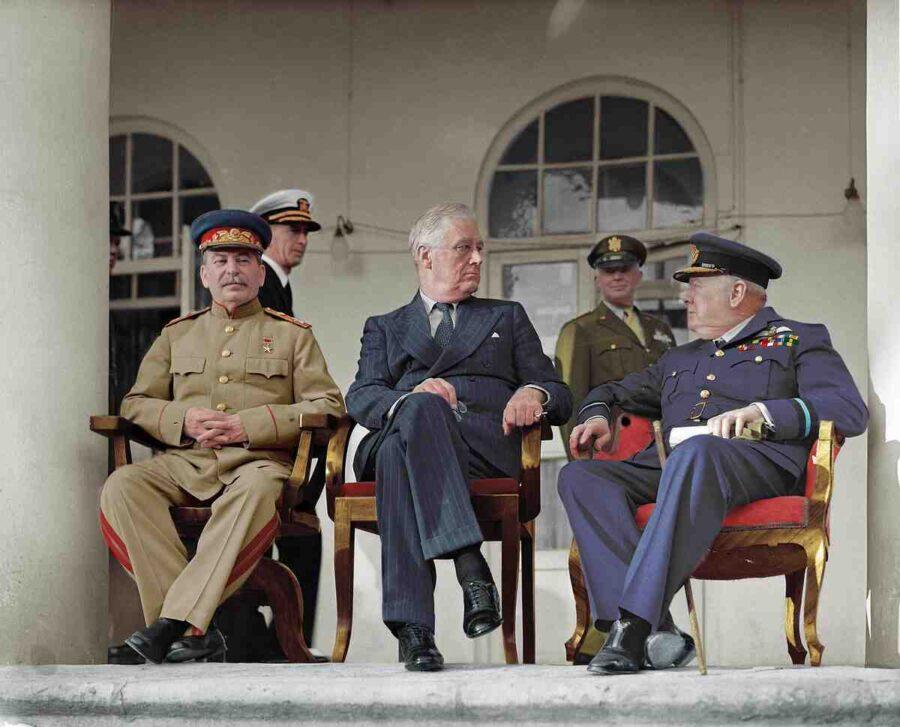 Защо кълнете Сталин, а мълчите за Чърчил и Рузвелт?!
