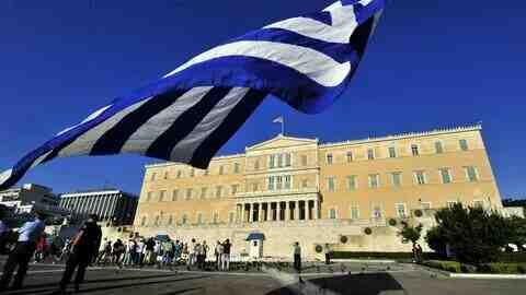 Гърция компенсира домакинствата заради по-скъпия ток