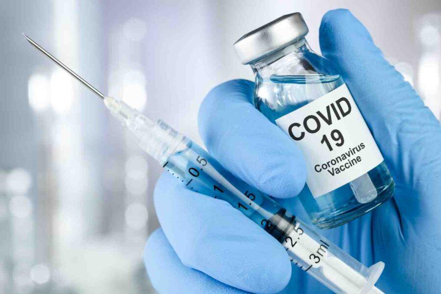 Едва 39 % от българите считат, че трябва да се ваксинират