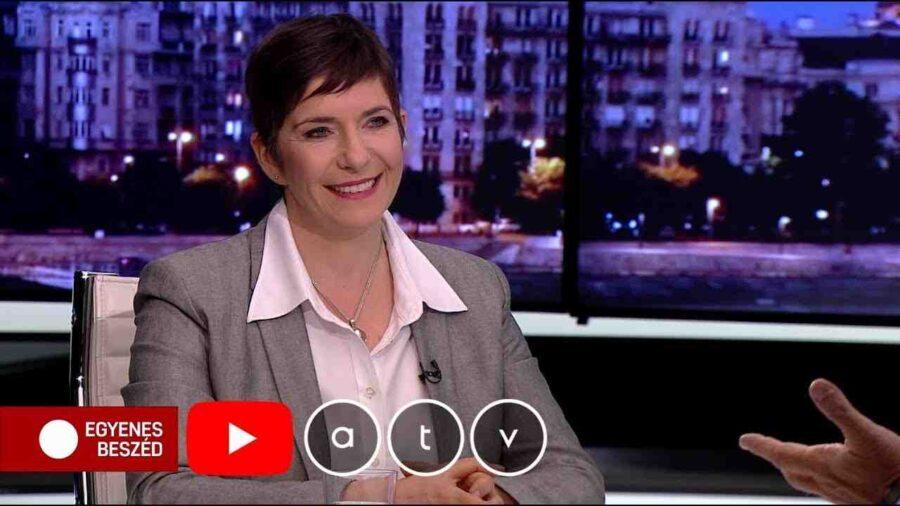 Българката Клара Добрев срещу Орбан на изборите през 2022 г.