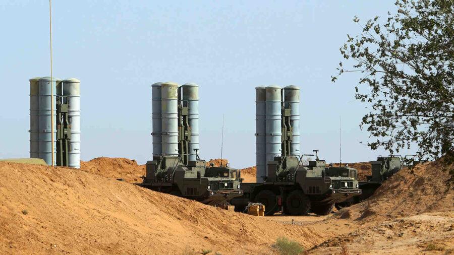 """Алжир получи зенитно-ракетните комплекси С-400 """"Триумф"""""""