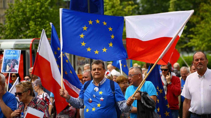 ЕК чрез съд налага глоби срещу Полша за нарушения правата на съдиите