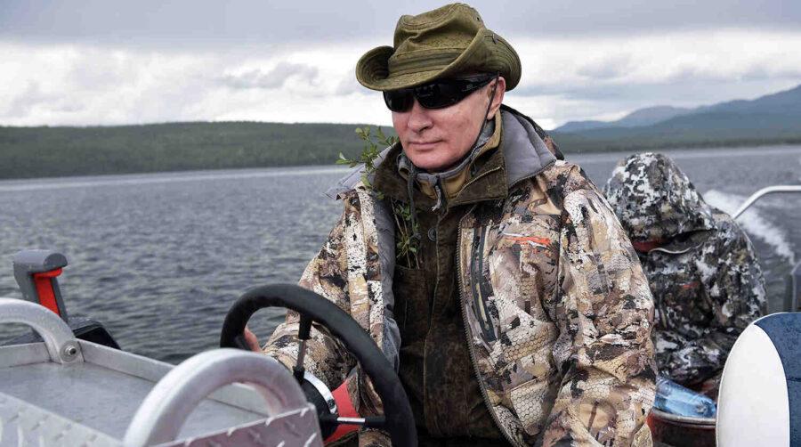 Песков за отдиха на Путин и Шойгу в тайгата