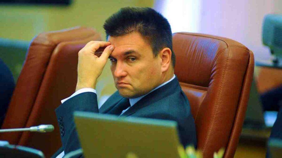 Екс-министър на Украйна: Силата на страната ни е само на хартия