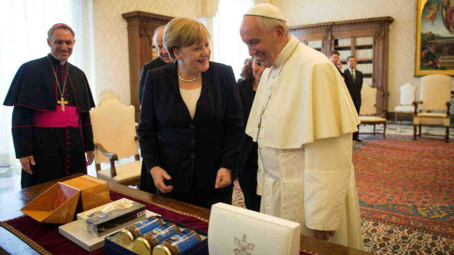 Euronews: Прощална визита на Меркел във Ватикана