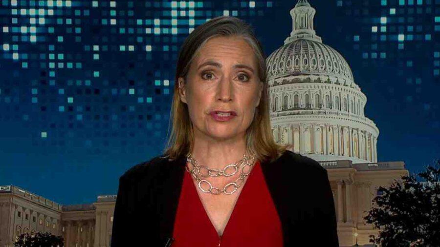 Екс-съветник на Тръмп за Русия: Facebook е по-опасен за САЩ от Путин