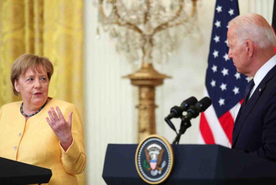 Меркел: САЩ трябваше да съкратят добива на шистов газ, защото не се купуваше